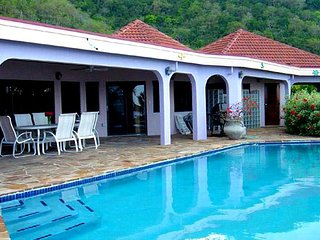 Villa Beach Dreams 4 Bedroom SPECIAL OFFER, Virgin Gorda
