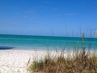 Amazing Beachfront Location! Island Cottage On The Gulf...Right on the beach!