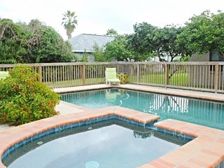 Bay Lodge-Paradise on Little Bay, Private Pool and Hot Tub, Rockport
