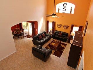 Emerald Island Luxury 5 Bedrooms 4 Baths Villa South Facing Pool 3 Miles Disney