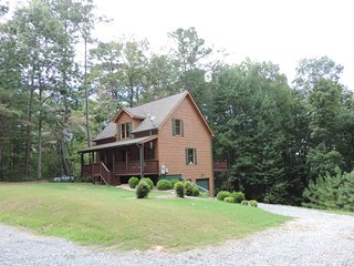 Secluded and Spacious 2 Bedrooms 2 1/2 bathrooms, Ellijay