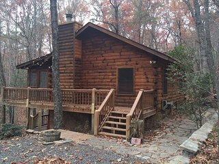 Long Getaway- Minutes to Blue Ridge GA and convenient to Ocoee whitewate rafting, Cherry Log