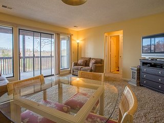 Serendipity-2 bedroom, 2 bath condo located at Pointe Royale with Indoor Pool, Branson
