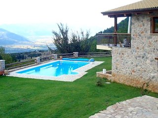 Parnassos mountain villa with pool
