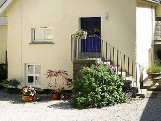 SWALLOWS, first floor apartment, double bedroom, romantic retreat, rural