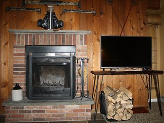 Mountain Green Recently Updated 1 BR Condo Across The Street From Snowshed Lodge, Killington