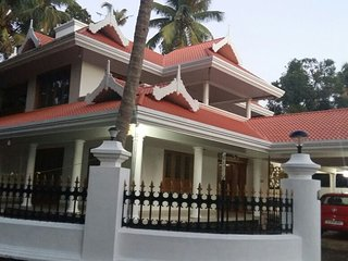 NANDANAM INN     Home stay with homely food, Thrissur