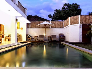 Darma House Sunyi, 2 Bedroom Private Villa, Near Seminyak