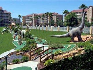 Luxurious spacious villa for rent 21 minutes to Disney