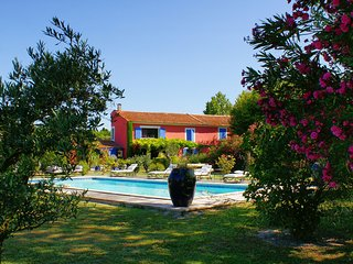 Mas des Couleurs, tennis court, private pool, AC, 5 bedrooms, Saint-Remy-de-Provence