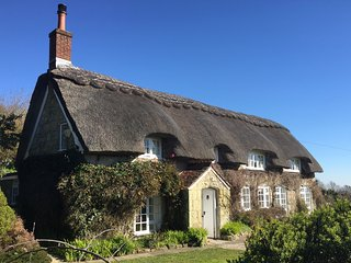 Breakers Sound, Holiday Cottage Rental in St Lawrence, Isle of Wight