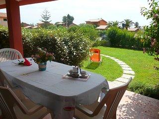 Bilocale con giardino privato a 300 metri dal mare