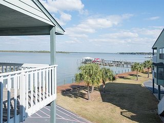 3BR, 3BA Condo in Orange Beach's Bay View - Fish & Boat from the Dock