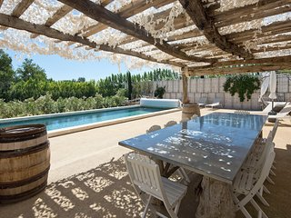 MAS FOLIE DOUCE SLEEP 10 HEATED POOL 10 GUESTS AC 2 MIN TO VILLAGE, Maussane-les-Alpilles