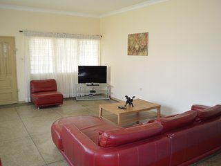 Accra Vacation/holiday Rentals - 3 bedrooms
