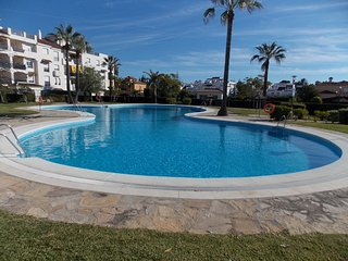 MODERN APARTMENT NEAR TO PUERTO BANUS, JUST THREE HUNDRED METRES TO THE  BEACH