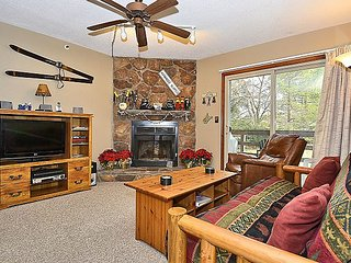 First floor condo located at the base of the ski lift at Timberline Resort!