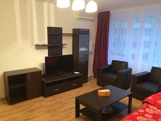 Grand - Opera Apartment - Cismigiu Gardens