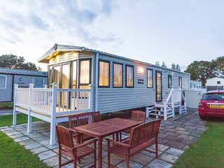 HHHV - 80037 Conifer Court Diamond-Plus 6 berth, with D/G C/H and large decking, Hopton on Sea