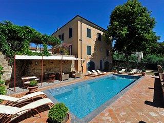 Bella villa in provincia di Pisa,13 posti letto, area Volterra e San Gimignano