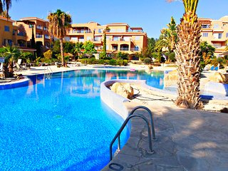 Kato Paphos Tourist Location - Minutes from the Action - 5 Star Resort - 3 Pools