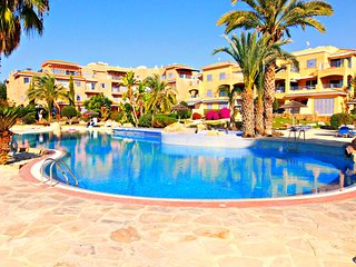 Kato Paphos - 2 Bed Townhouse - Prime Location - 5 Star Resort -3 Swimming Pools