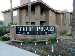 North Scottsdale - walking distance to Kierland Shopping Area and restaurants
