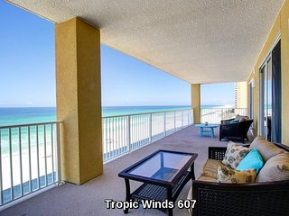 Corner Unit Luxury Condo - 6th Floor - 4 BR / 4 BA with Beach Service Included!