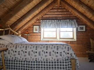 Panoramic Mountain Views 3-Room Suite in small B&B