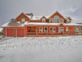 5BR Silverthorne House w/Private Hot Tub!