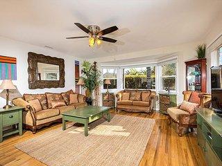 SB316C Charming 3BR house w/yard, Solana Beach