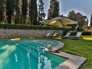 Borgo Bernardini. Stunning Retreat for 26 people with pool,piano,billiard,gym