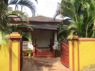 4 bedroom modernised old Goan/Portuguese style house on an island in North Goa., Aldona