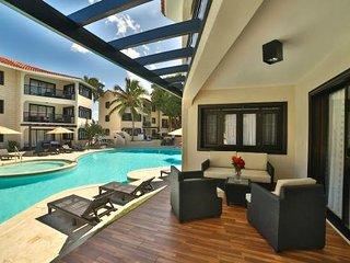 Elegant TWO Bedroom Royal Suites with Chairman's Circle Samana Elite Members
