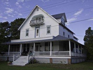 Historic CMP 'Ice House' 100659