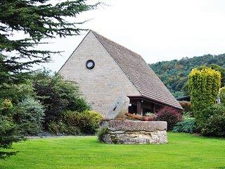 45741 Wing in Stroud, Box