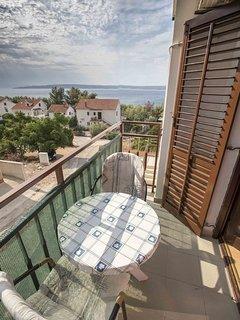Ante(2): balcony