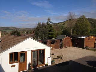 32102 Bungalow in Cheddar, Cross