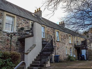 CHERRY COTTAGE, pet-friendly first floor maisonette, in Jedburgh, Ref 944210