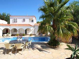B34 VIENA gran villa con piscina privada