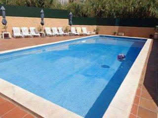 Tout confort Praia da Sao Juliao avec terrasse vue sur l'ocean + piscine