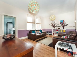 2 large Bedrooms and 1 small double in Gateshead