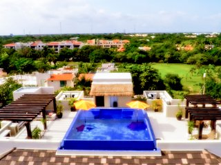Holladay House in Puerto Aventuras