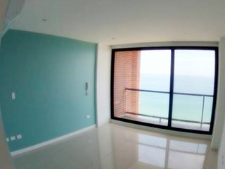 Beachfront private room in 4,150 sq. ft. Penthouse!, Manta