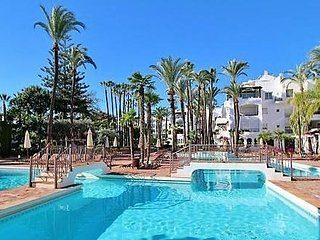 MARBELLA apartment available 30/8-4/9 ( 150m from the beach Puerto Banus)