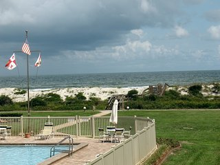 OCEAN VIEW and lots of Amenities on a Pristine, expansive white sand beach, Crescent Beach