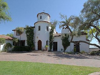 Stay in your own castle 30 minutes away from Los Angeles and Disneyland, Hacienda Heights