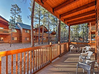 Pinetop Townhome w/Patio-29 Minutes to Sunrise MTN