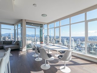 Yaletown Bliss above the clouds 3 bedroom Modern Luxury, Vancouver