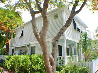 Sunrise off Southard- A Cozy Retreat in Truman Annex  Enjoy a Tax Free Holiday!, Key West